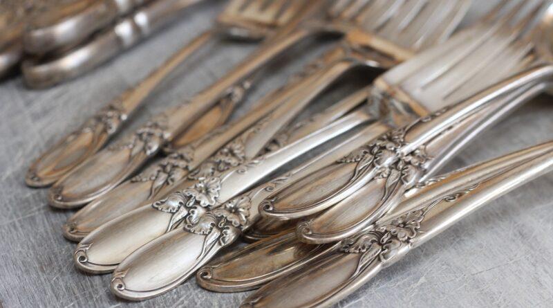 czym czyścić srebro