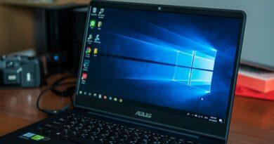 jak obrócić ekran w laptopie i komputwrze